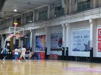 煜楠篮球中心