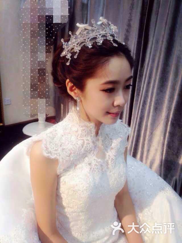 新娘婚纱妆_彩妍新娘美妆婚纱