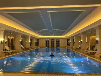 大连一方城堡豪华精选酒店游泳池