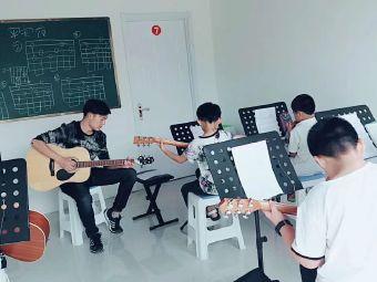 盛夏光年艺术培训中心