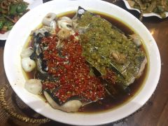湘海本味餐厅的双色鱼头