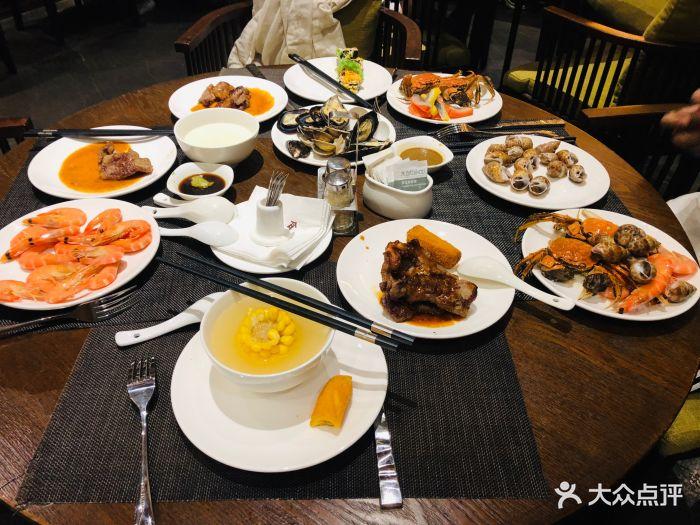 熹乐谷温泉度假酒店自助晚餐图片