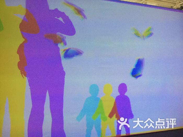 青岛魔法美术馆像素森林_