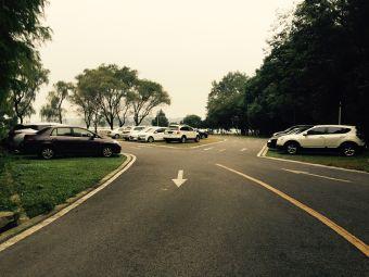 工人太湖疗养院停车场
