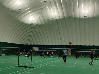 奥森羽毛球篮球馆