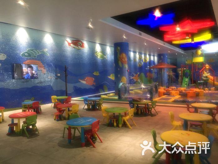 枫香谷温泉度假酒店儿童游乐设施图片 - 第1张