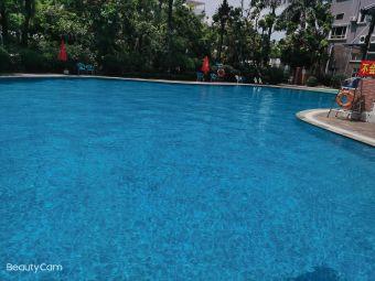 崇威酒店游泳池