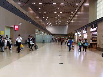 哈尔滨太平国际机场T2航站楼贵宾停车场