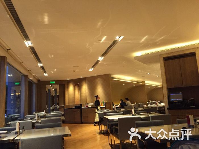 扬子江万丽大酒店bld咖啡厅