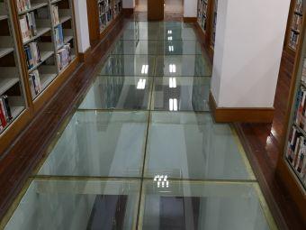 海关学院图书馆