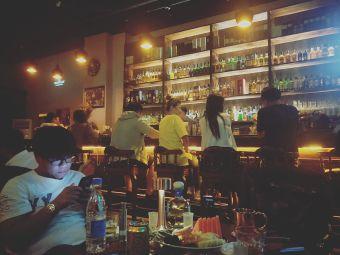 July lounge威士忌鸡尾酒吧