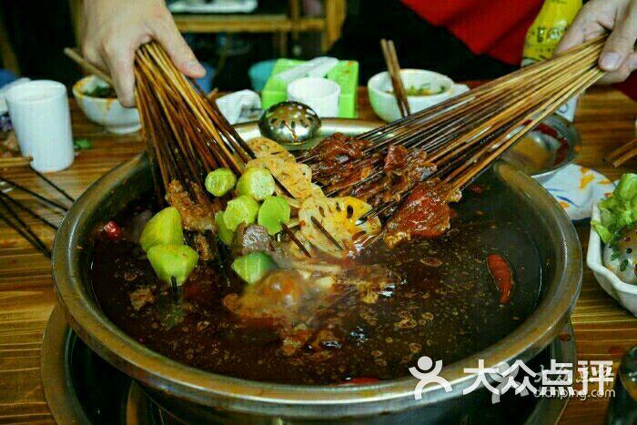 重庆飞机场附近吃饭