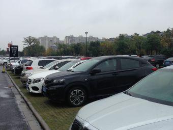 杉井奥特莱斯广场·宁波停车场