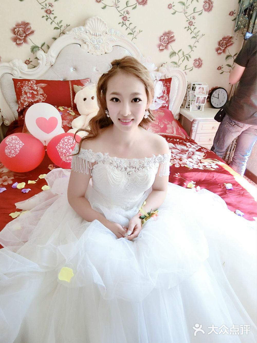 俏皮可爱造型婚纱
