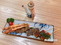 西月山居日本料理(江漢路新佳麗廣場店)的炸物拼盤