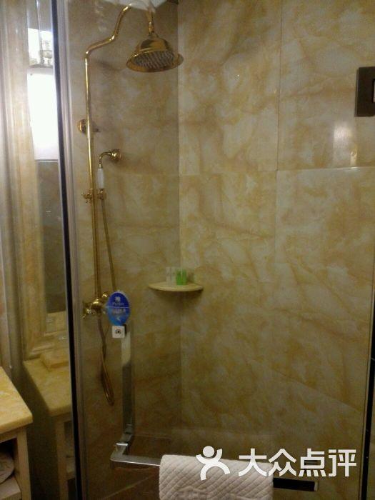 洗澡房装修效果图