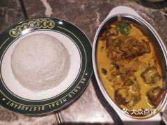 肥韬·香港金牌茶餐厅(华强北店)的咖喱牛肉饭