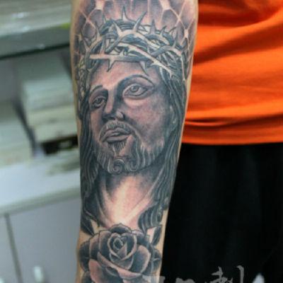 印象刺青-小臂耶稣纹身款式图