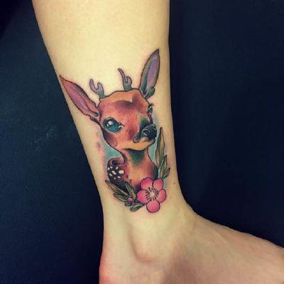 小鹿纹身图