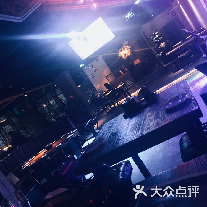 里酒吧_酒食里酒吧餐厅