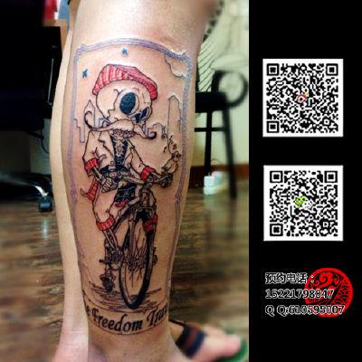 骑自行车的小骷髅纹身款式图