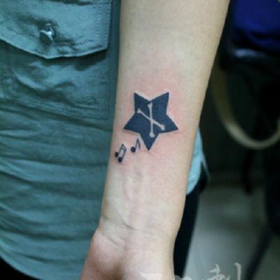 印象刺青-五角星音符纹身款式图