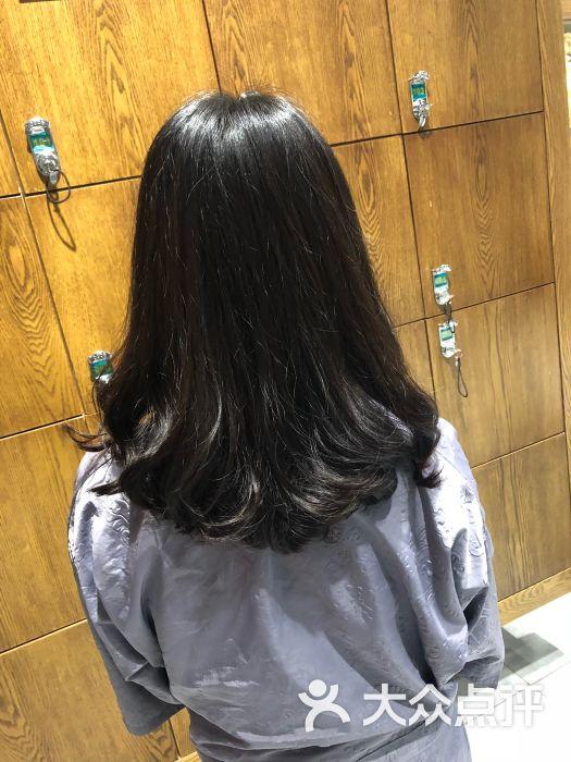 simple hair日系染發沙龍(華貿天地店)中發圖片 - 第0張圖片