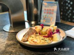 東盛自助料理(南京东路店)的秋刀鱼