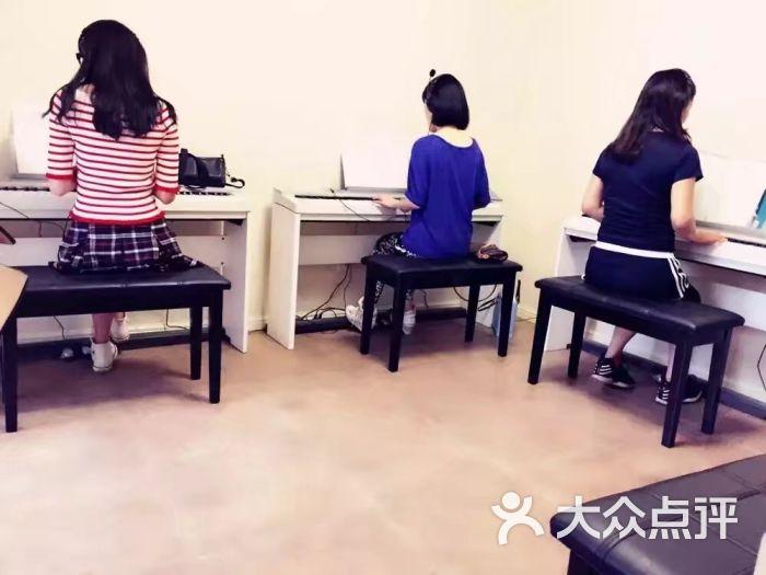 里吧吧成人网_成人钢琴吧(北郊店)-图片-西安学习培训-大众点评网