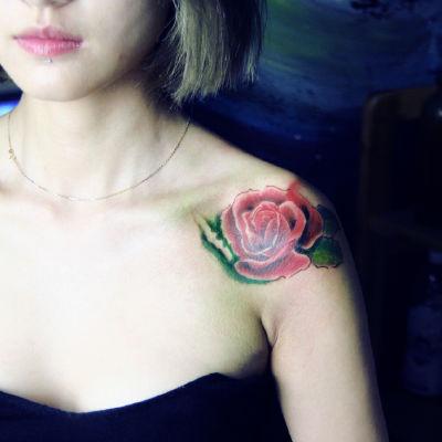 肩花纹身图