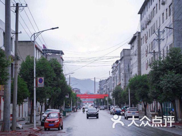 上津镇中心小学