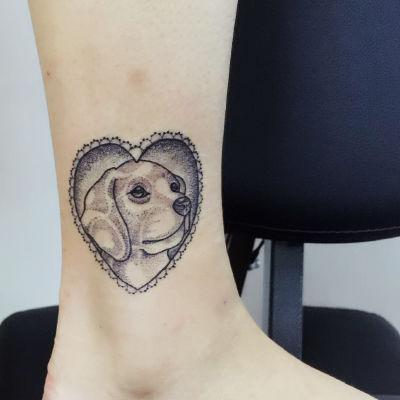 脚踝小狗纹身图