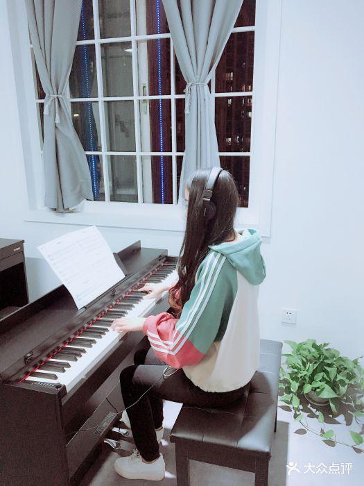 里吧吧成人网_琴诺成人钢琴吧-图片-武汉学习培训-大众点评网