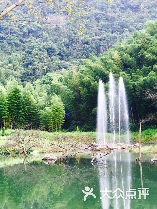 千瀧溝大瀑布旅游區圖片 - 第1張