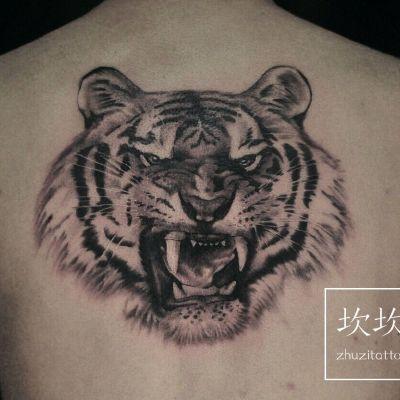 老虎纹身图