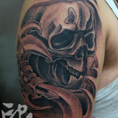 印象刺青-大臂骷髅纹身图