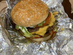 Five Guys(尖沙咀店)的Cheeseburger