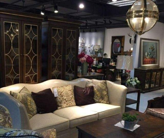 三小姐的家具店的图片