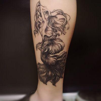 美人鱼纹身图