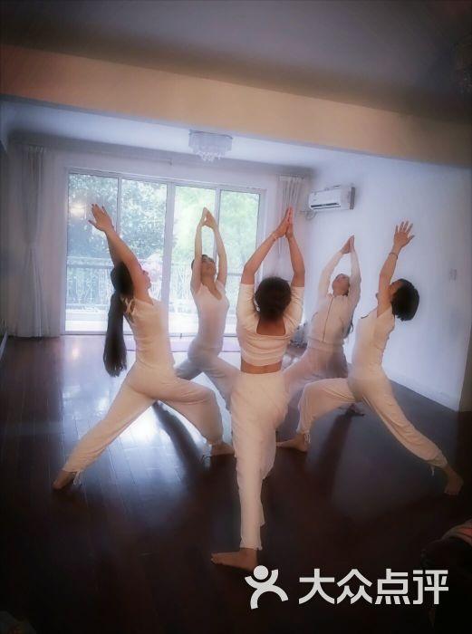 墨舞坊肚皮舞瑜伽會所學員集體照圖片 - 第2張圖片