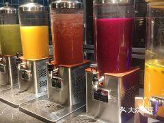 上隐水产活鲜刺身自助餐·甄选(淮海百盛店)的鲜榨果汁