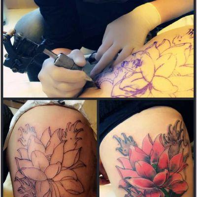 大腿荷花纹身款式图