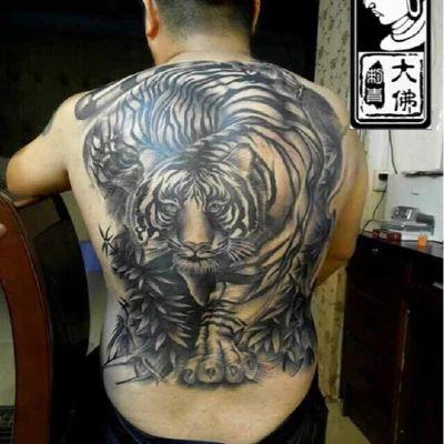 满背老虎、传统老虎纹身款式图