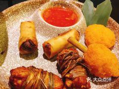 火燒雲傣家菜(晶品店)的小吃拼盘