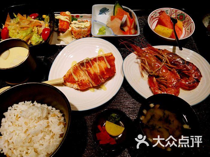 根廷美食_日式盐烤根廷红虾
