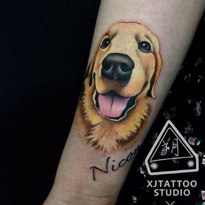 小狗彩绘动物手臂纹身款式图