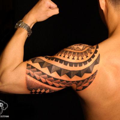 手臂图腾——老曹纹身图