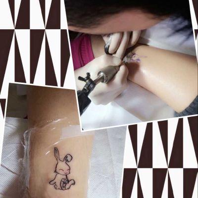 脚踝小兔子纹身图