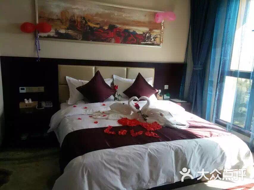 超漂亮mm在宾馆图片_帝妃mmor丶tcis护小白上传的图片