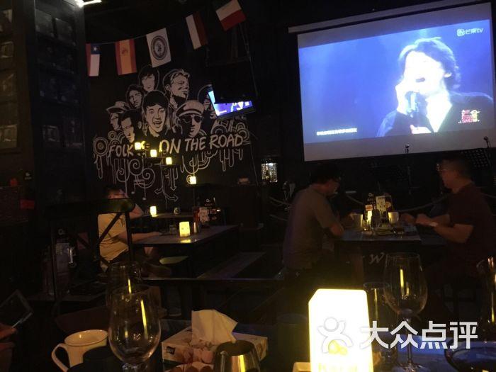 民謠在路上音樂主題酒吧圖片 - 第3張